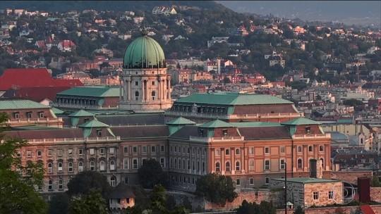 Parlamento da União Europeia adota ação contra a Hungria por violar democracia e valores europeus