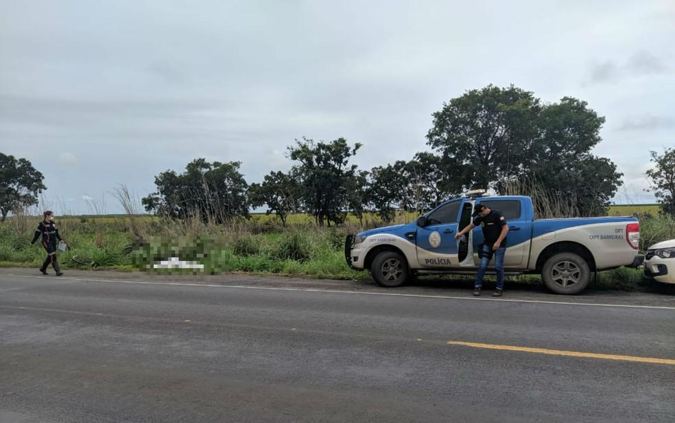 Homem morre após ser atropelado por veículo na BR-242, oeste da Bahia — Foto: Reprodução/Blog Braga