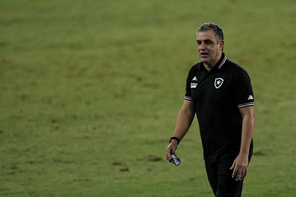 Marcelo Chamusca durante Botafogo x Nova Iguaçu — Foto: Thiago Ribeiro/AGIF