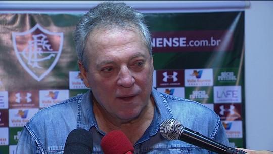 Abel Braga isenta Dudu de responsabilidade por eliminação após expulsão