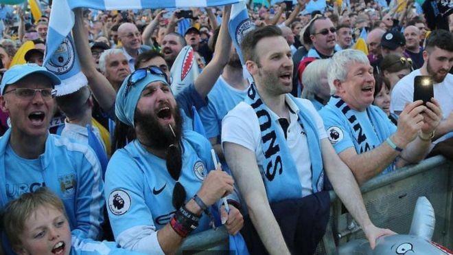 Camisa do Manchester City é uma das mais caras entre as equipes da Premier  League 57ec994e3a133