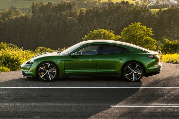 Little smaller than the Panamera, the Taycan is a four-door coupe (Photo: Press Release)