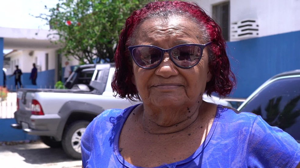 Maria José Borges dos Santos busca atendimentos no Hospital Belarmino Correia, em Goiana, sem conseguir — Foto: Reprodução/TV Globo
