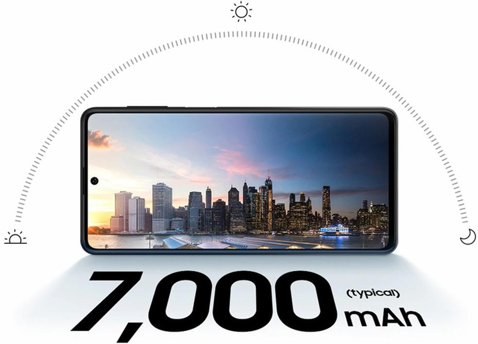 O Galaxy M62 tem uma bateria gigante, de 7.000 mAh — Foto: Divulgação/Samsung