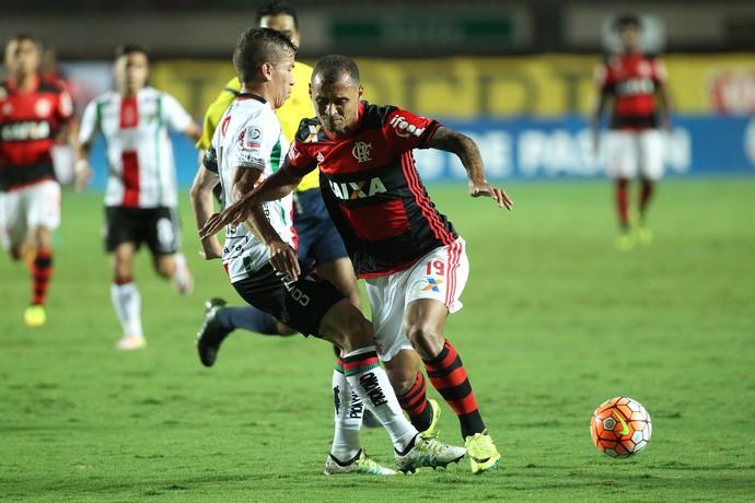Fla leva dois gols no primeiro tempo, perde para o Palestino e é eliminado