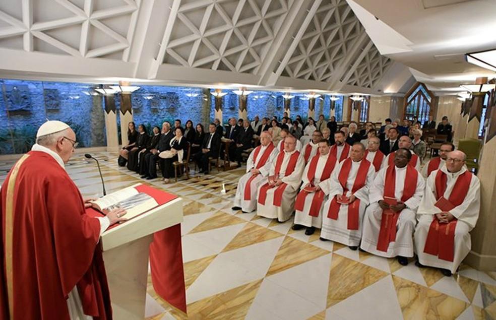 Padre Zezinho participa de missa presidida pelo Papa (Foto: Divulgação/Rádio Vaticano)