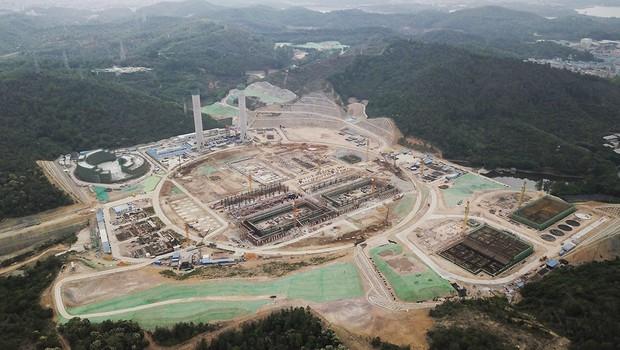 Maior planta de produção de bioenergia a partir de restos do mundo, ainda em construção na China (Foto: SHL Architects)