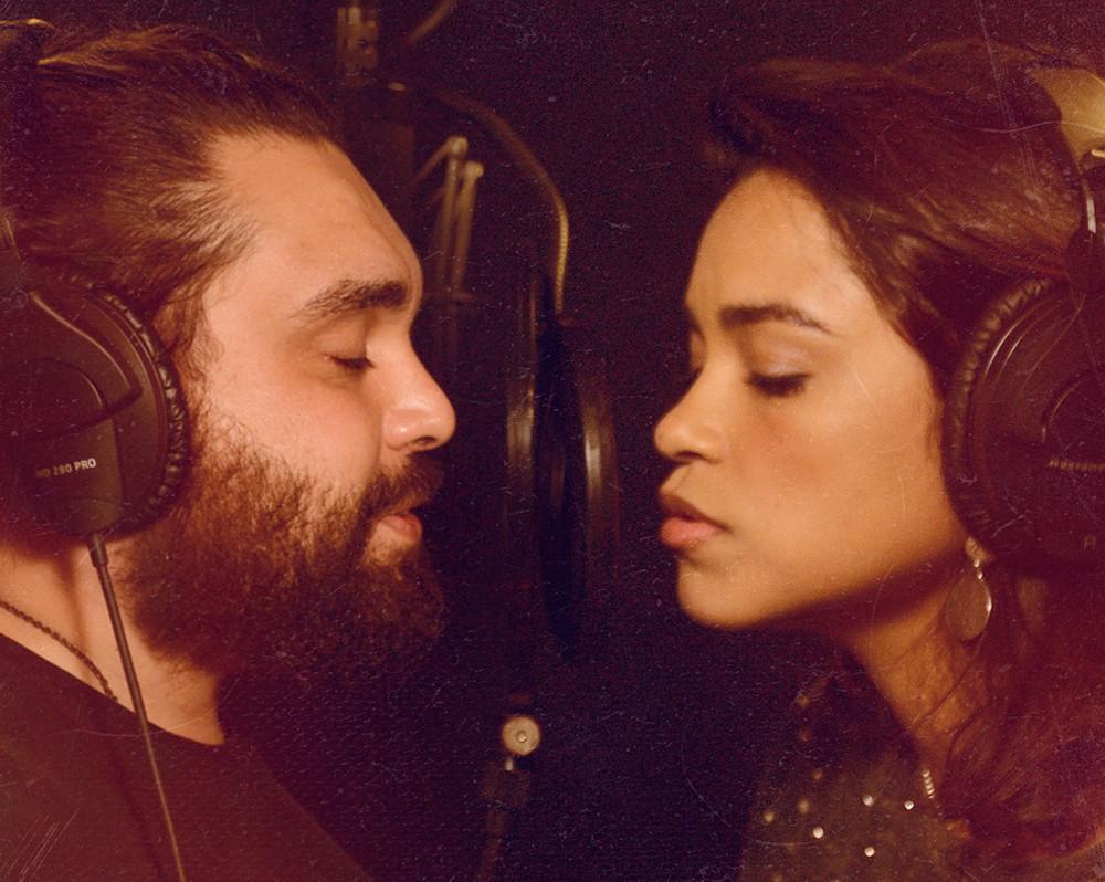 Lucas Felix e Lucy Alves iluminam 'Lua e estrela', canção lançada há 40 anos na voz de Caetano Veloso
