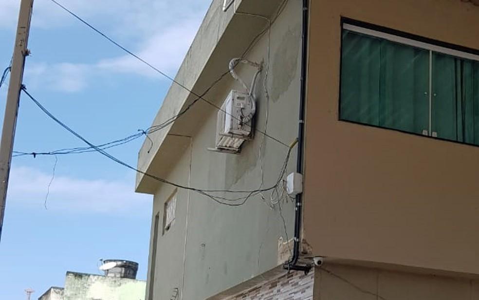 Ligação direta com a rede foi descoberta na casa de um vereador de Olinda — Foto: Celpe/Divulgação