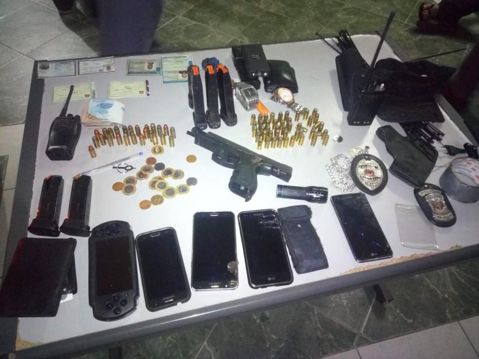Objetos apreendidos pela polícia  (Foto: Divulgação)