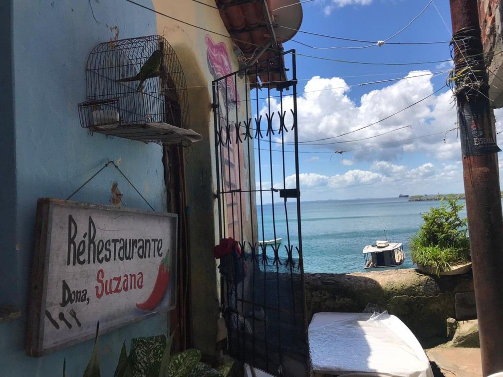 Vista do restaurante de Dona Suzana, na Gamboa, em Salvador — Foto: Itana Alencar/G1