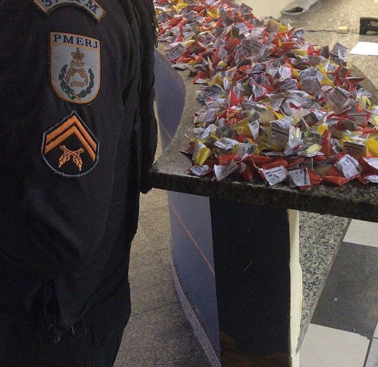 Homem é preso com mais de três mil cápsulas de cocaína em Itatiaia - Notícias - Plantão Diário