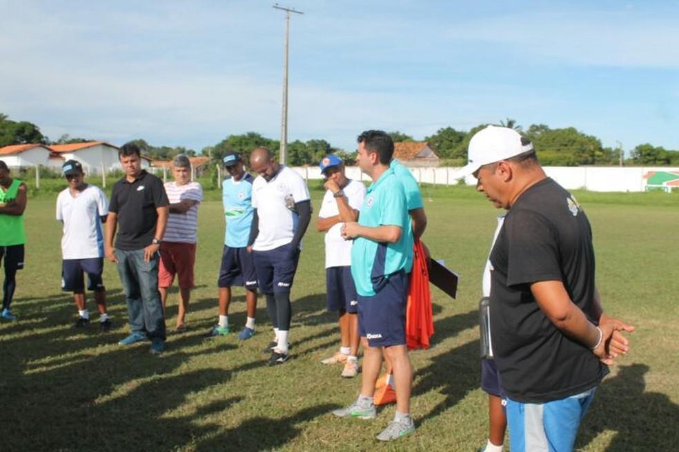 Apresentação de Danilo Queiroz ao Parnahyba (Foto: Jorge Alves/Parnahyba)