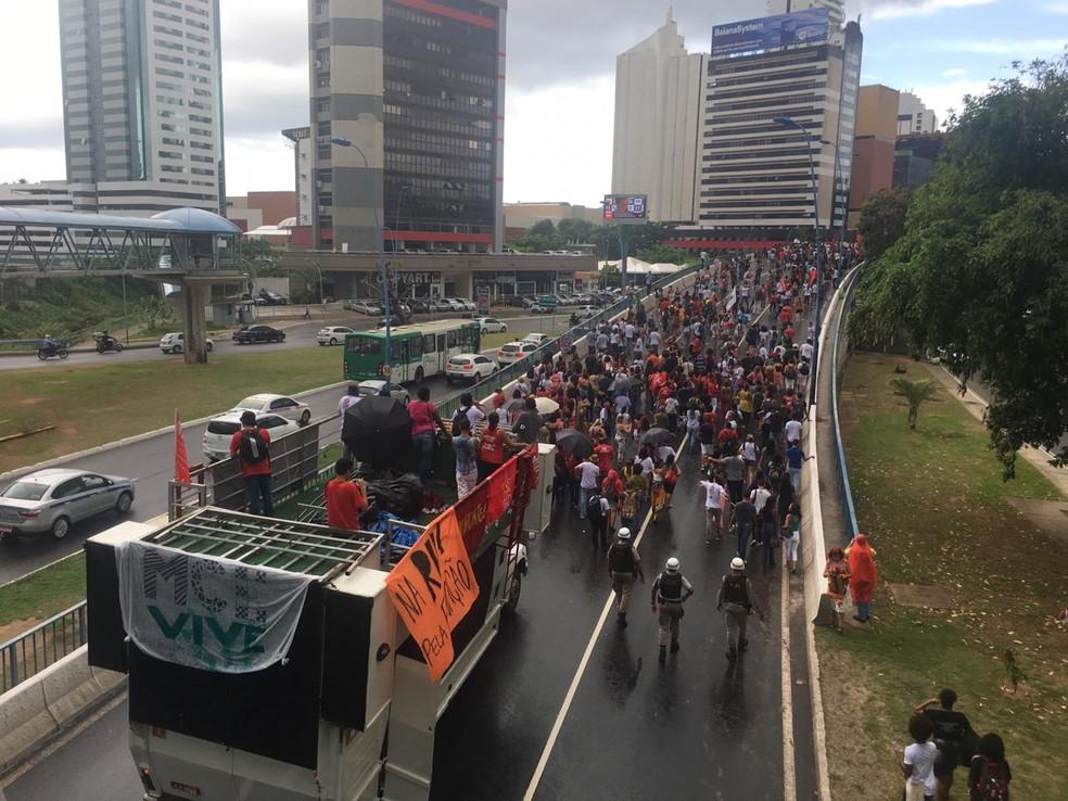 Professores das universidades estaduais protestam em Salvador — Foto: Phael Fernandes/G1 Bahia