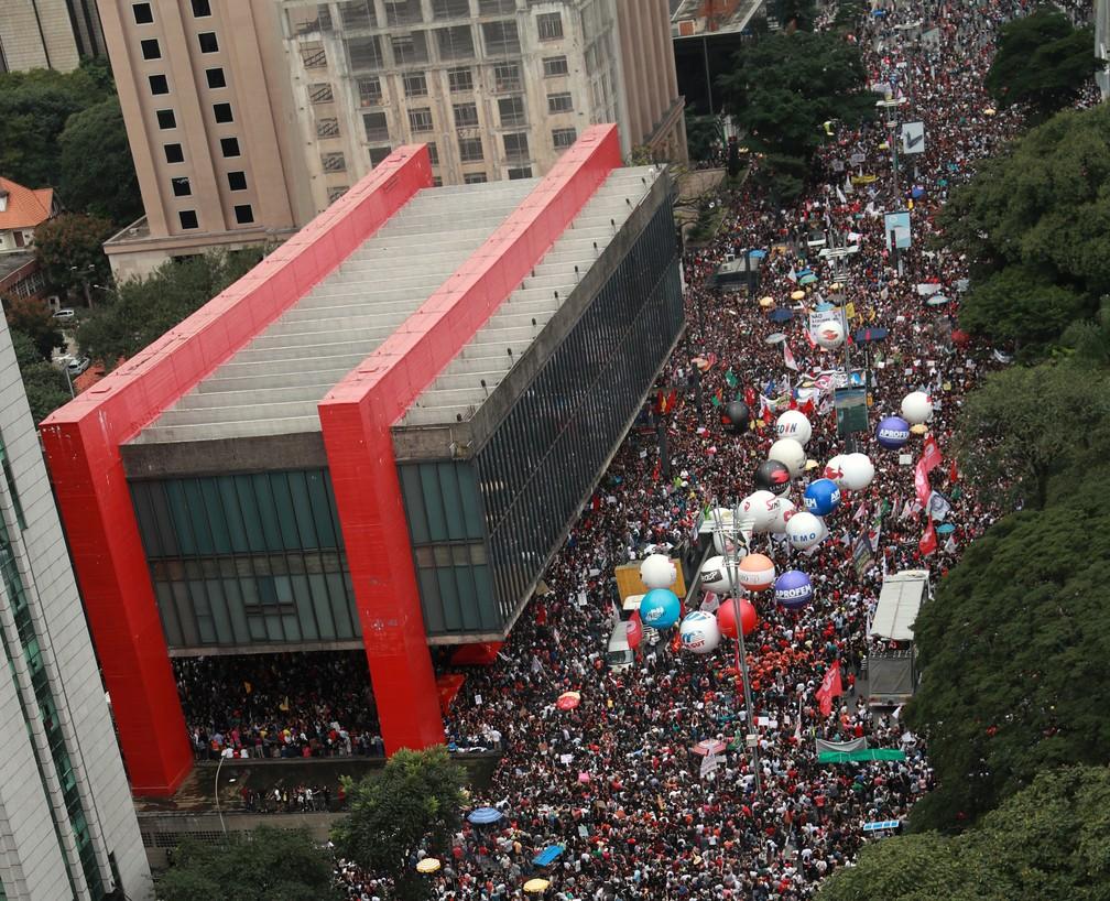 Manifestação na Avenida Paulista, em São Paulo (SP) — Foto: Amanda Perobelli/Reuters