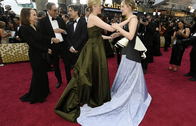 HOLLYWOOD, CALIFORNIA - FEBRUARY 09: Greta Gerwig and Saoirse Ronan attens the 92nd Annual Academy Awards at Hollywood and Highland on February 09, 2020 in Hollywood, California. (Photo by Kevork Djansezian/Getty Images) (Foto: Getty Images)