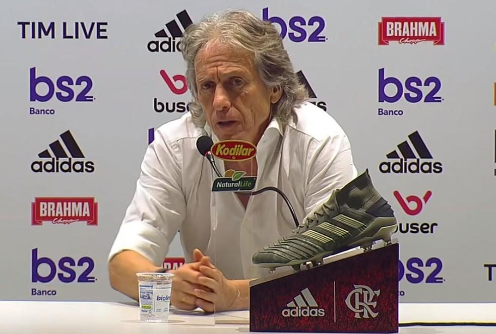 Jesus elogiou o clássico em entrevista coletiva — Foto: Reprodução / TV Globo