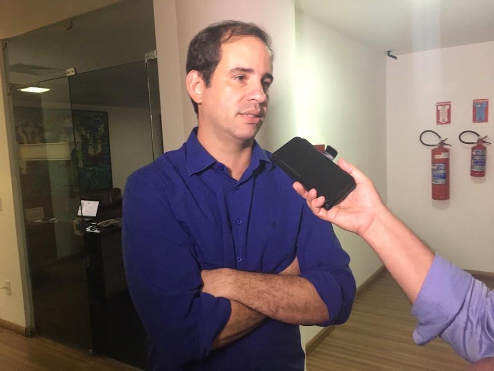 Carlos Eduardo Xavier, secretário de Tributação do RN, apresentou a proposta — Foto: Heloísa Guimarães/Inter TV Cabugi