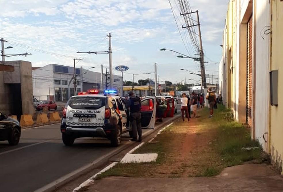 Acidente na Avenida da Feb provocou congestionamento. — Foto: Arquivo pessoal