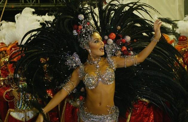 Juliana Paes, para a Viradouro (2005) (Foto: Arquivo O Globo)