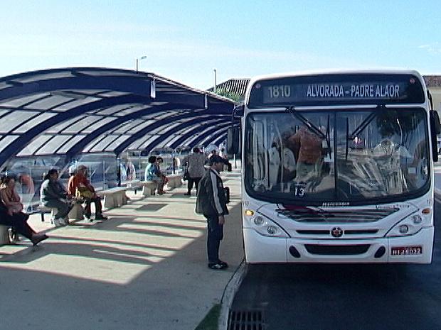 Prefeitura de Araxá notifica empresa de transporte público por atrasos nos itinerários e superlotação nos veículos
