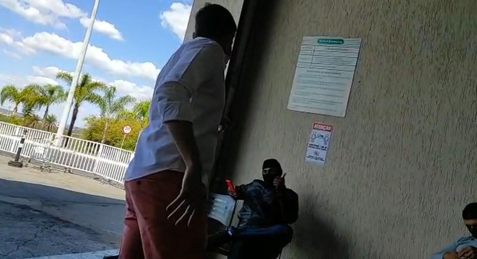 Sócio de restaurante e motoboy discutem em shopping do DF — Foto: Arquivo pessoal