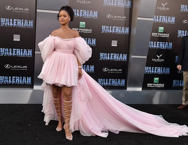 Rihanna segue um estilo que foge do comum (Foto: Getty Images)