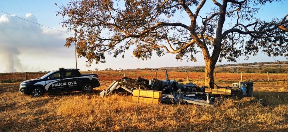 Máquinas agrícolas furtadas encontradas em fazenda de Lagoa Grande durante operação 'Carga Pesada' — Foto: Polícia Civil/Divulgação