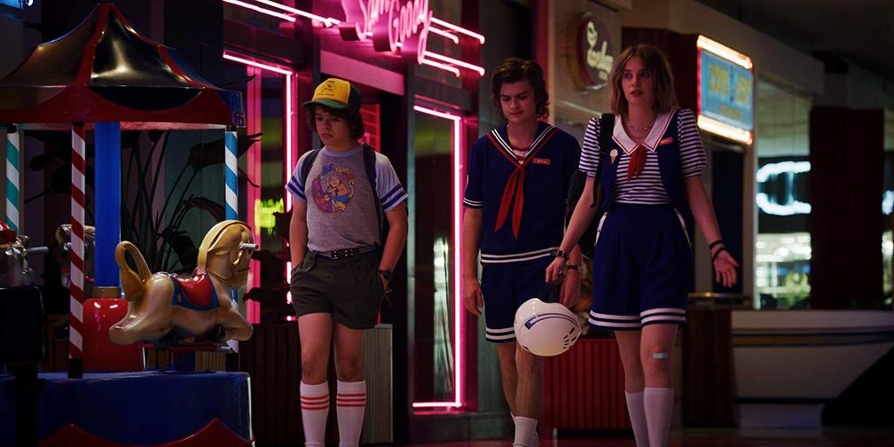 Dustin (Gaten Matarazzo), Steve (Joe Keery) e Robin (Maya Hawke) em 'Stranger Things' — Foto: Divulgação/Netflix