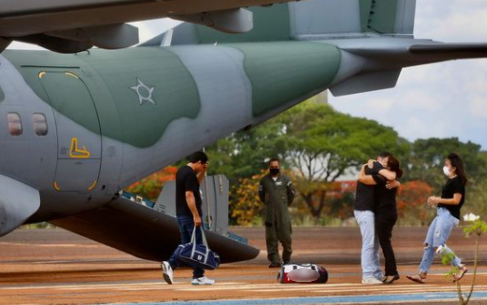Corpos de família morta em naufrágio no MS são velados em Rio Verde