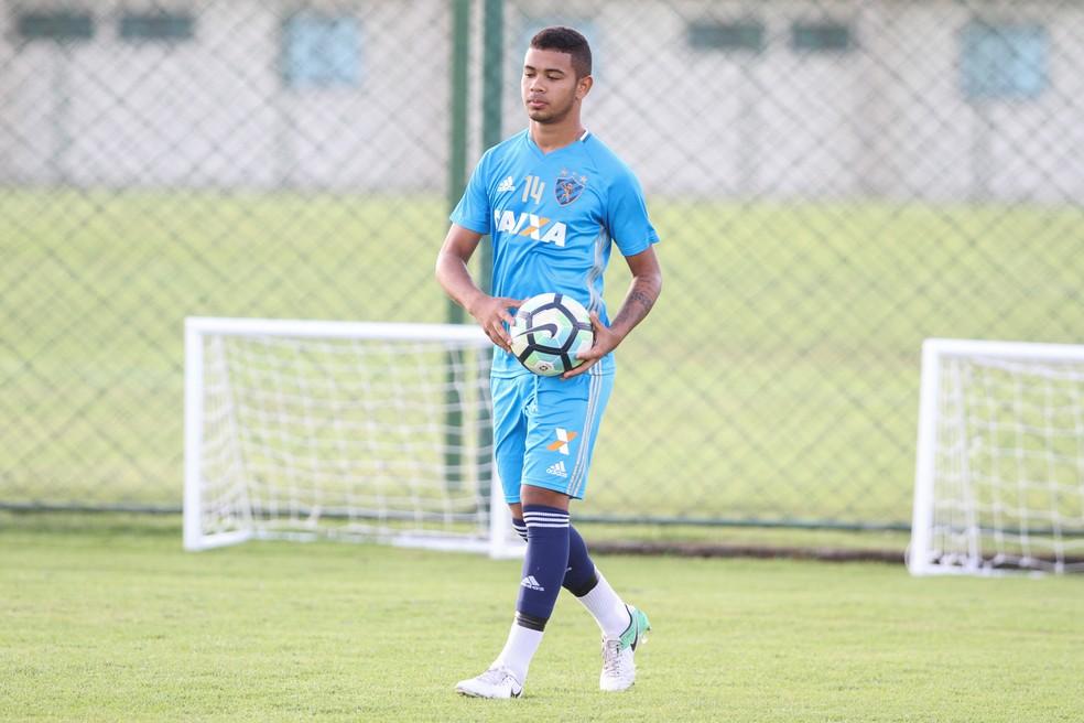 Juninho é uma das principais revelações do Sport  (Foto: Marlon Costa/Pernambuco Press)