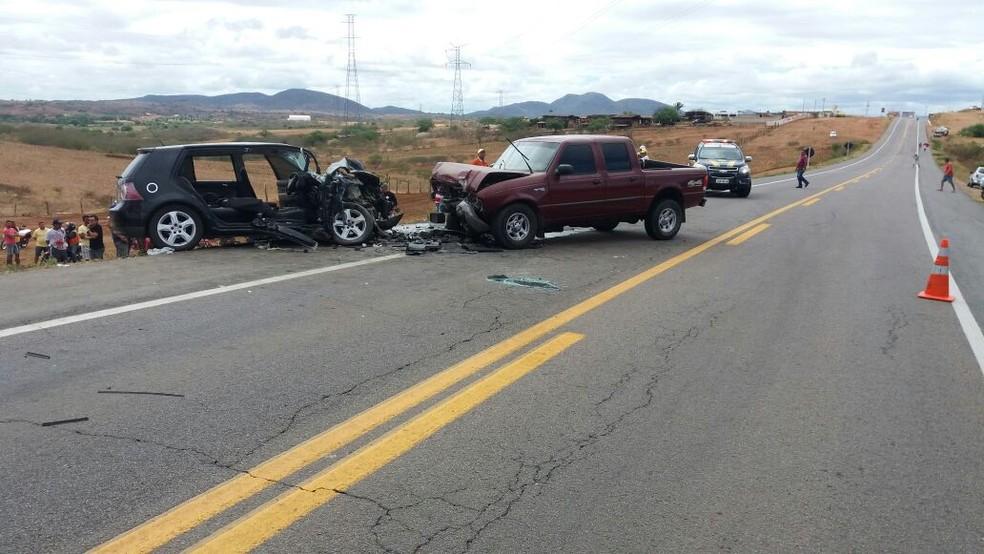 Duas pessoas morreram em batida que aconteceu na BR-226, em Santa Cruz, RN (Foto: Divulgação/ PRF)