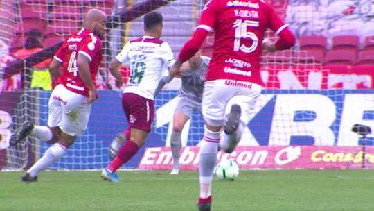 """Aliviado com 1º gol em retorno, Nem vê Fluminense confiante para reta final: """"Cabeça erguida"""""""