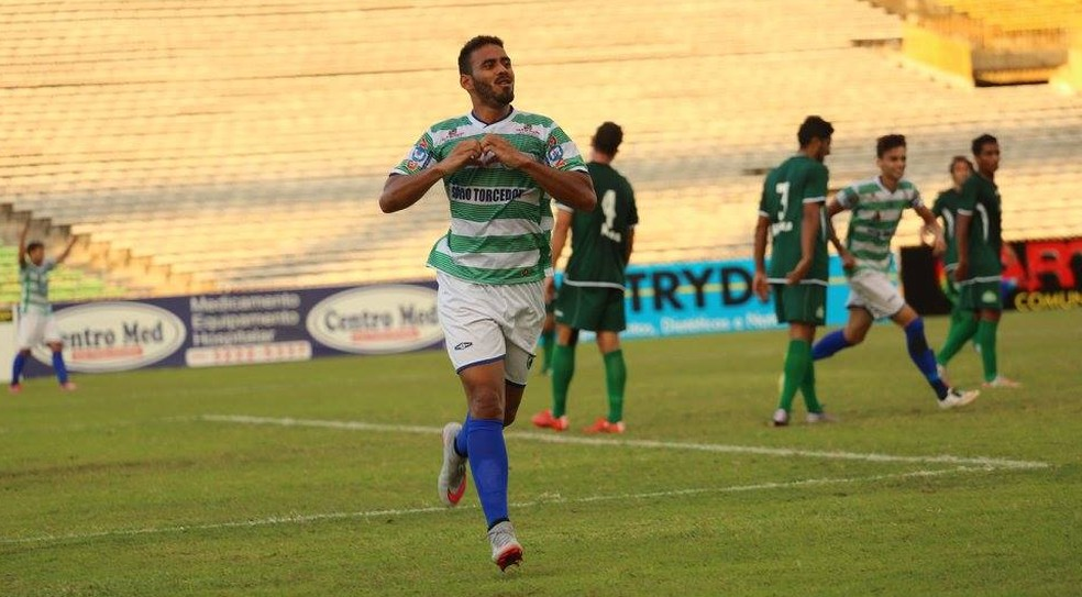 Com o Altos, Gênesis foi artilheiro do Piauiense 2016 com 11 gols (Foto: Luís Júnior)