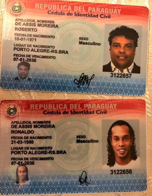 Fotos de documentos de identidade paraguaios com nomes de Ronaldinho e seu irmão, Assis — Foto: Ministério Público Paraguai/ Reprodução