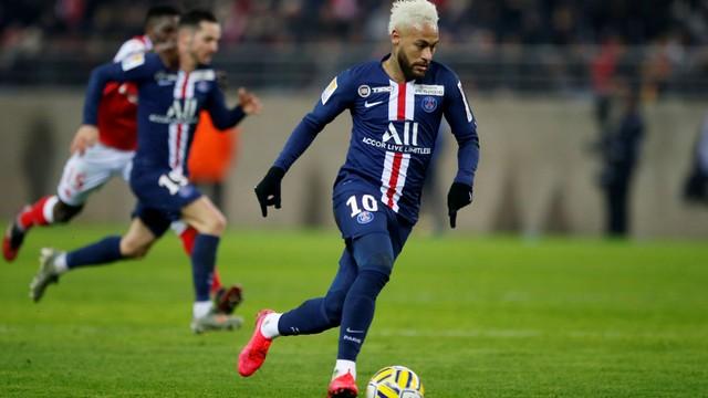 Neymar teve boa atuação e participou dos três gols do PSG sobre o Reims