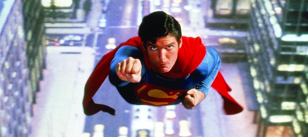 O Superman de Christopher Reeve fez o público acreditar que 'um homem podia voar' (Foto: Divulgação)