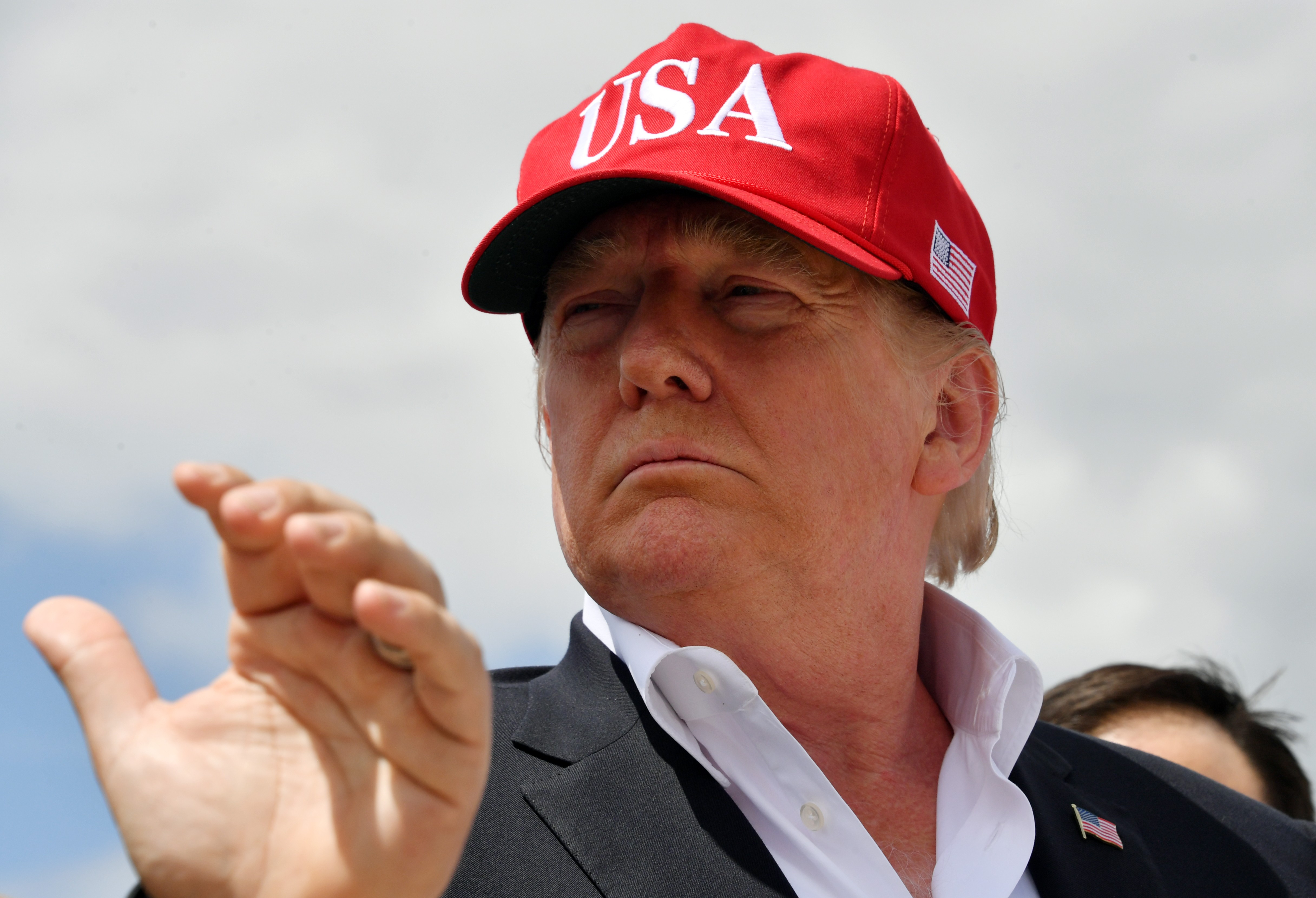 Donald Trump fará visita ao Palácio de Buckingham em junho