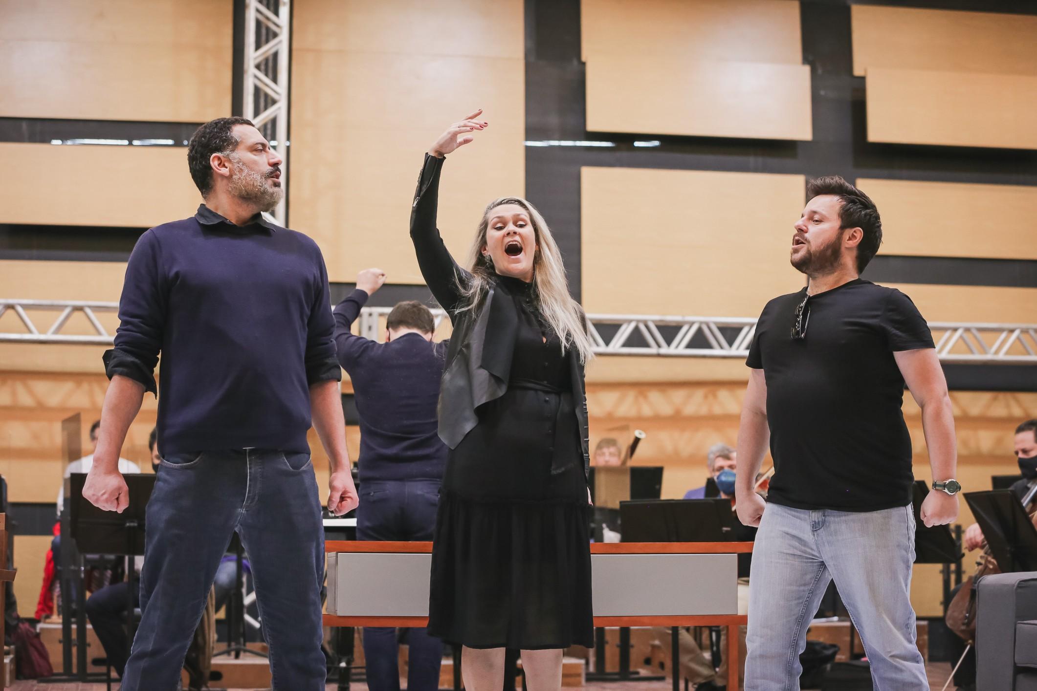 Ospa traz adaptação inédita de ópera francesa para o palco em Porto Alegre