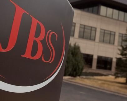 MPT entra com ação na Justiça após JBS demitir 40 indígenas de frigorífico em SC