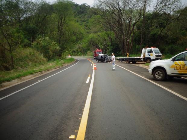 Acidente foi na Rodovia SP-287 em Sarutaiá (Foto: Divulgação/ Polícia Rodoviária Piraju)