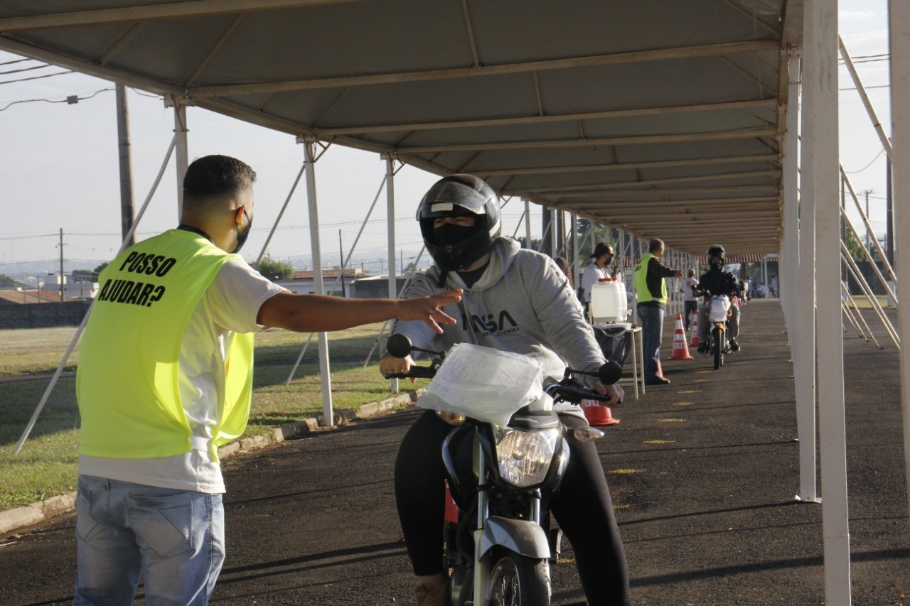 Saúde aplica mais de mil testes em ação voltada a motoboys e motoristas profissionais em Bauru
