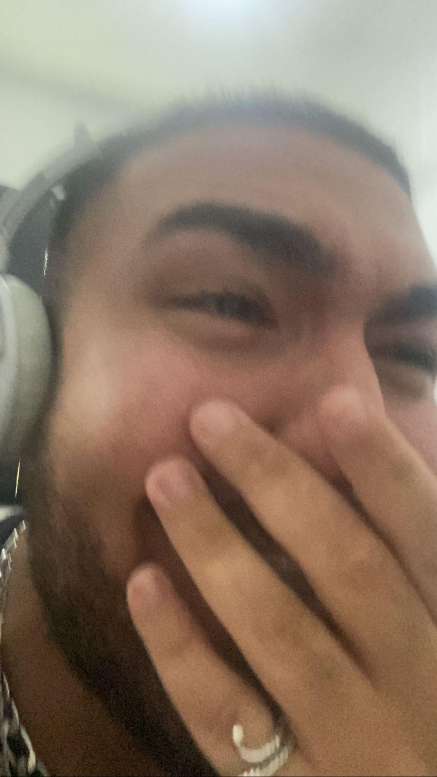 Duda Beat surpreende fã ao aparecer  em gravação de reportagem sem avisar: 'Estou tremendo'; veja vídeo