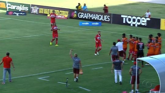 """Ferrugem volta ao time e projeta semifinal contra o Jaciobá: """"Não podemos vacilar"""""""