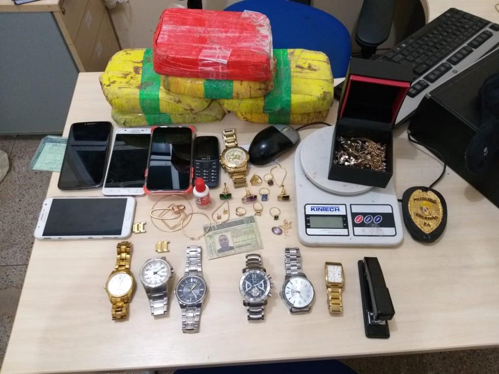 Entorpecentes, celulares, relógios e joias foram apreendidos com Rubenilson Silva — Foto: Reprodução/Redes Sociais