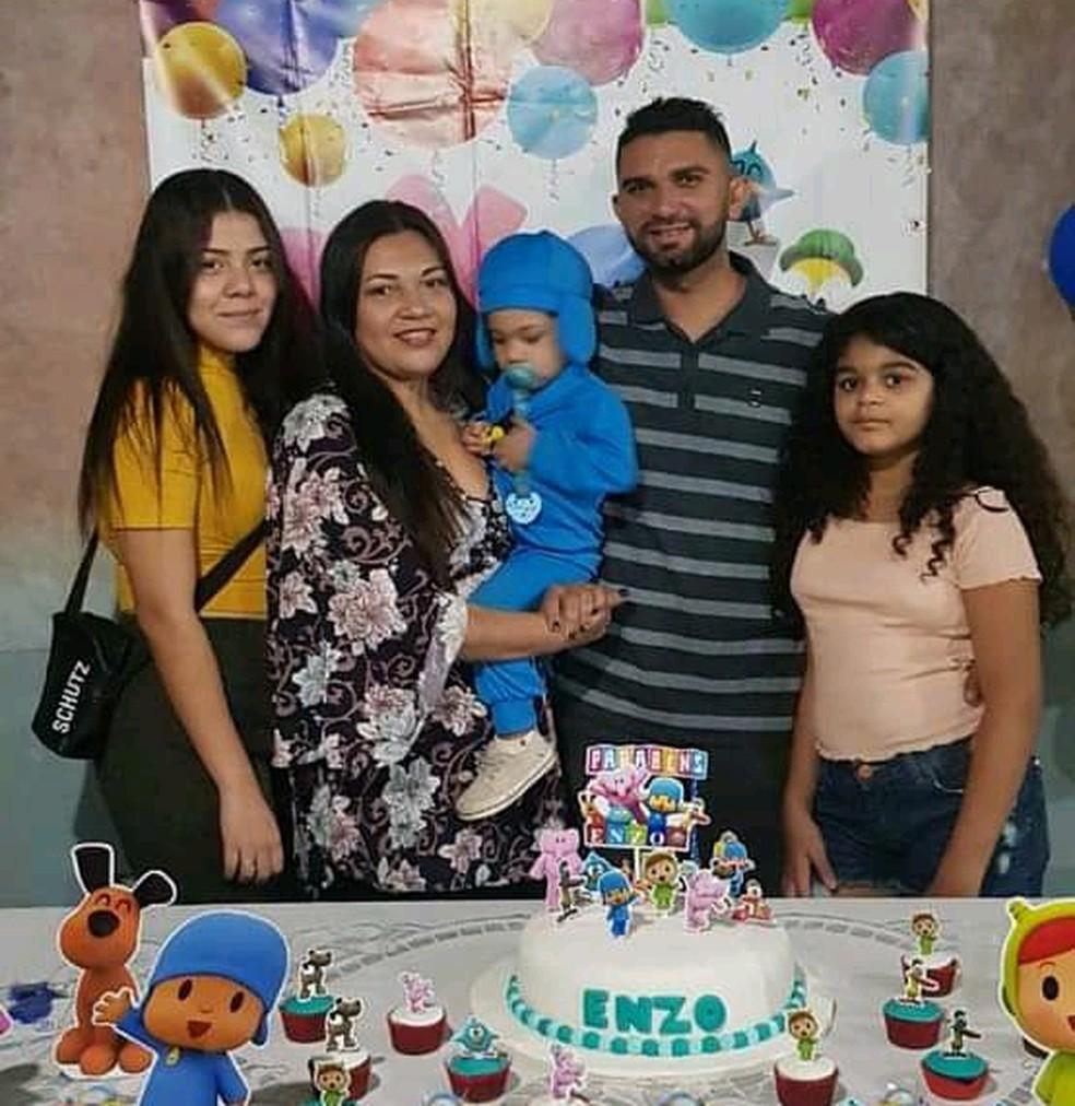 Pizzaiolo Alexsandro Oliveira viu situação da família piorar no primeiro trimestre de 2021; família precisou cortar gastos com moradia e alimentação — Foto: Arquivo Pessoal