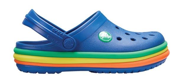 10. Arco-íris | Os já clássicos clogs de plástico croslite da marca Crocs agora ganham versão multicolorida, inspirada nas massinhas de modelar. Crocs, R$ 149. Tamanhos de 22 a 34. (Foto: Divulgação)