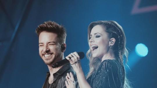 Sandy e Junior lançam série e cantor relembra período de depressão: 'A turnê ocupou um lugar de cura'