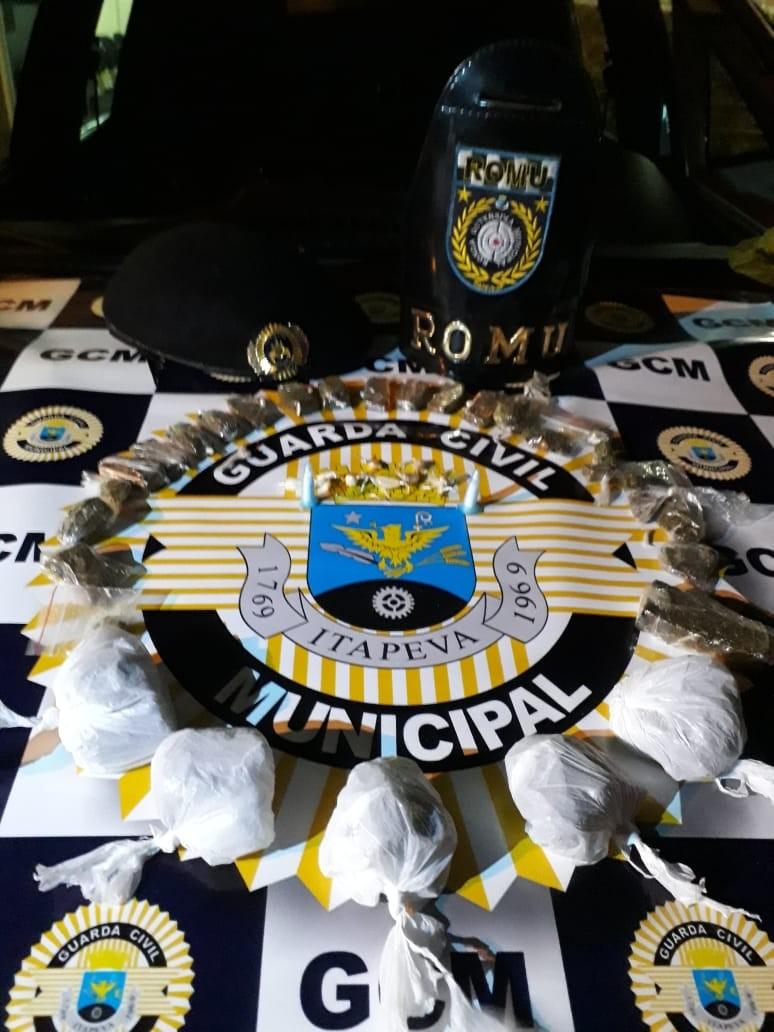 Guarda Civil apreende porções de maconha, crack e cocaína em casa abandonada de Itapeva