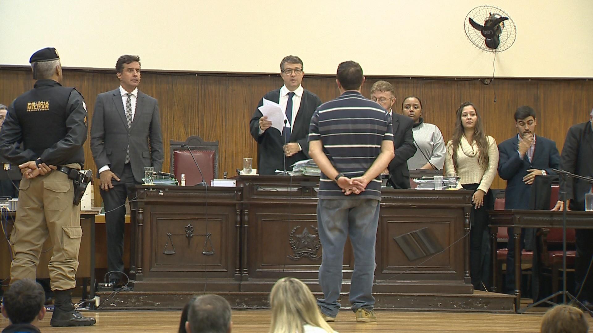 Motorista é condenado a 14 anos de prisão por morte de casal em Juiz de Fora